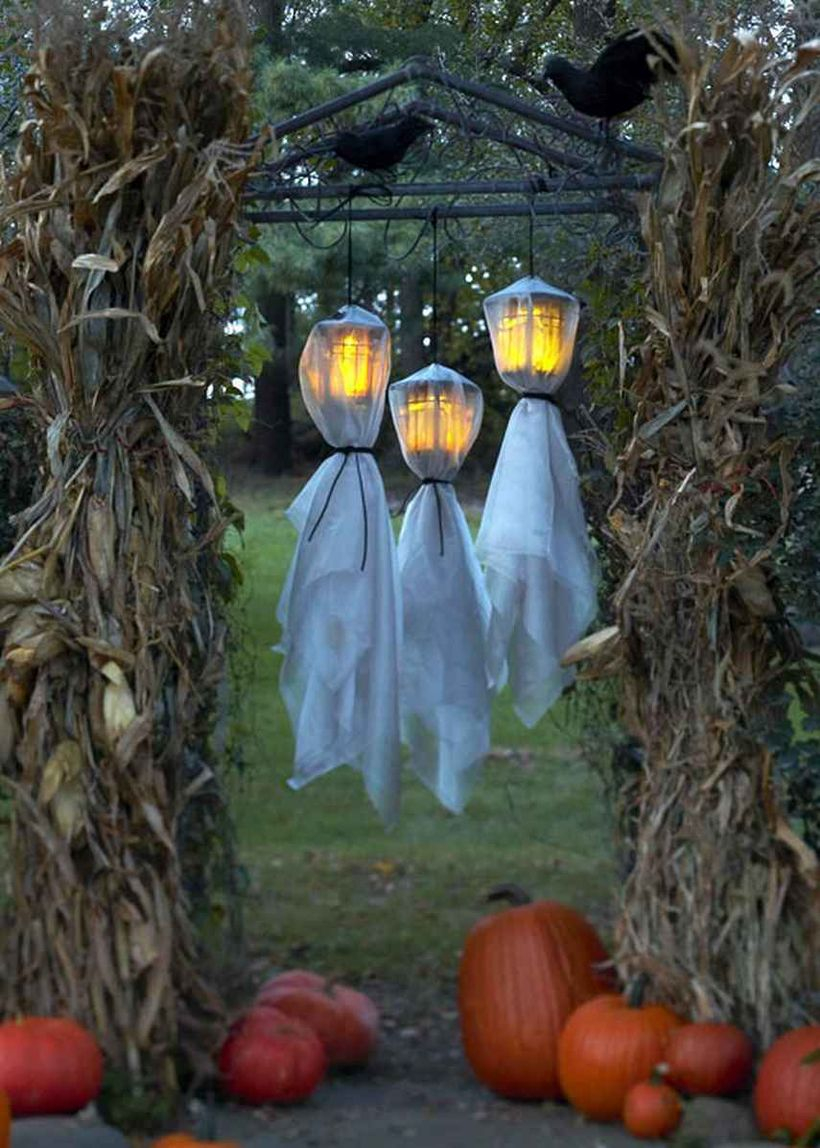 Hanging lantern that resembles a ghost