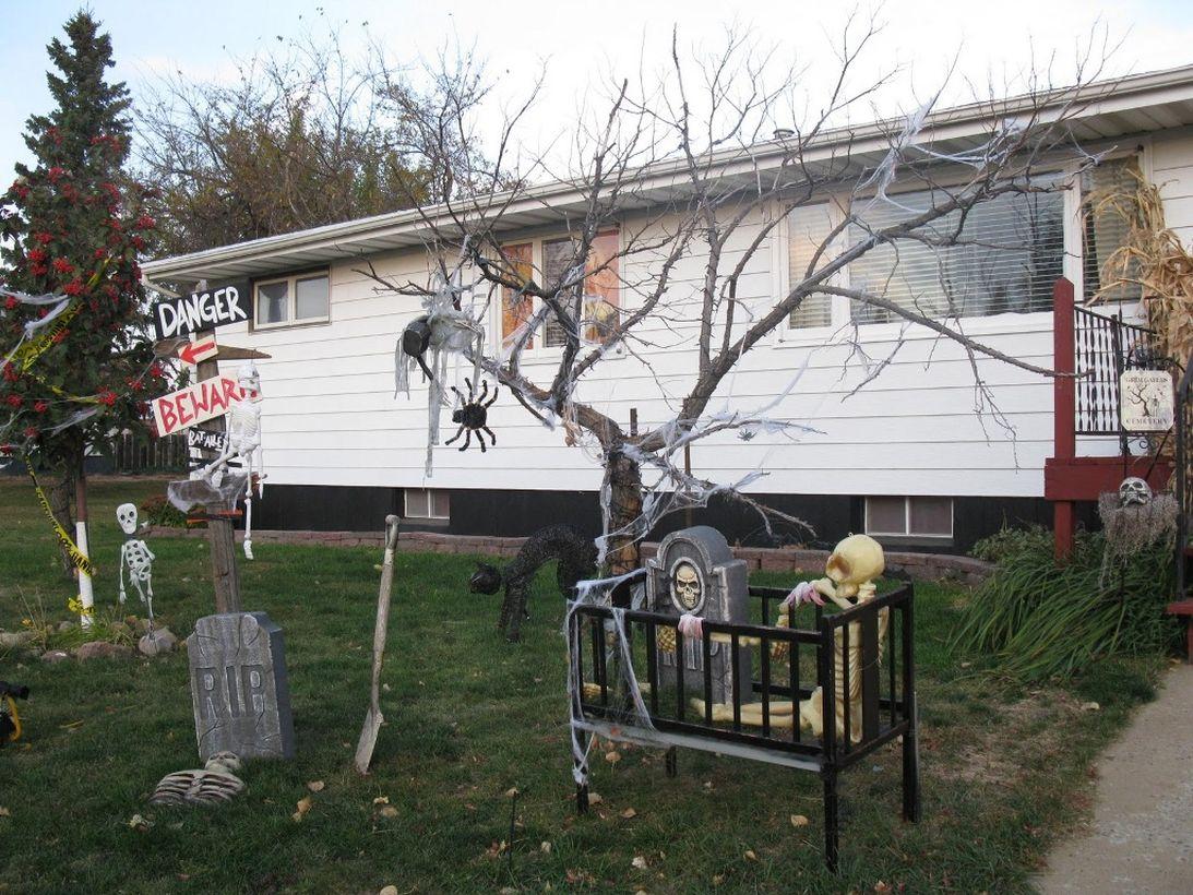 Outdoor halloween with a grave atmosphere
