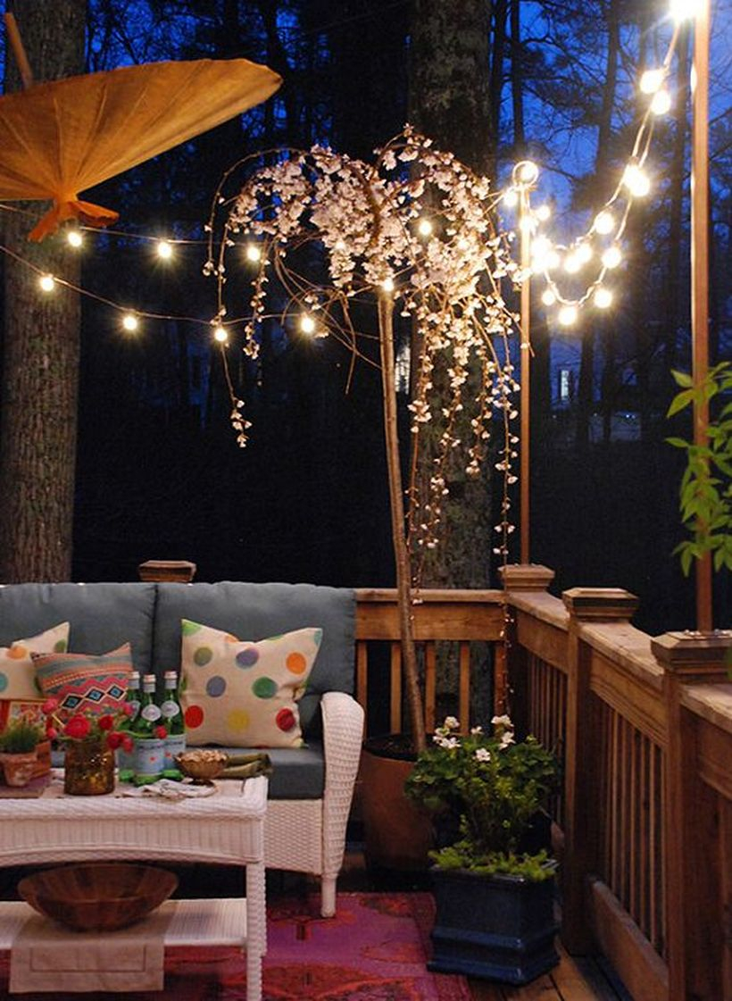 Simple string lamps decor