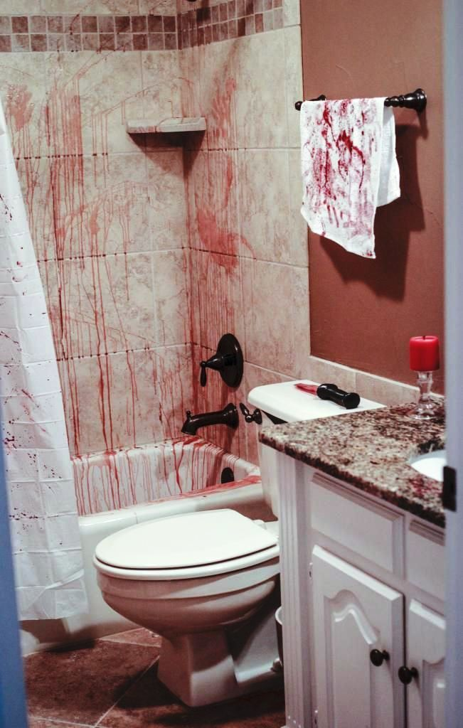 Bathroom-halloween-decorations