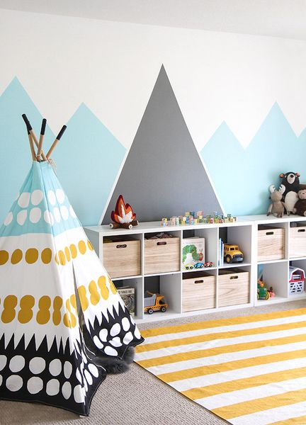 Diy-mountain-mural-for-your-kids-room.