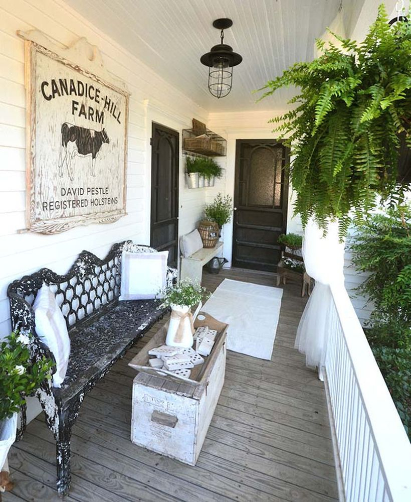 Farm charm porch decor in victorian style