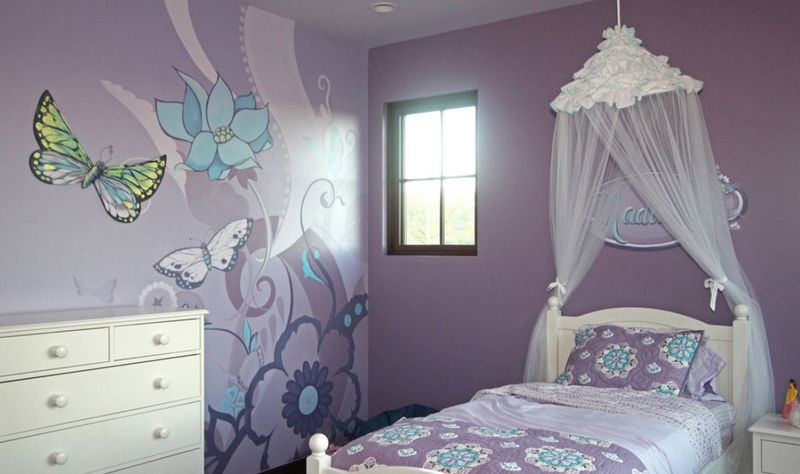 Large-butterfly-murals-and-flowers-for-kids-room.