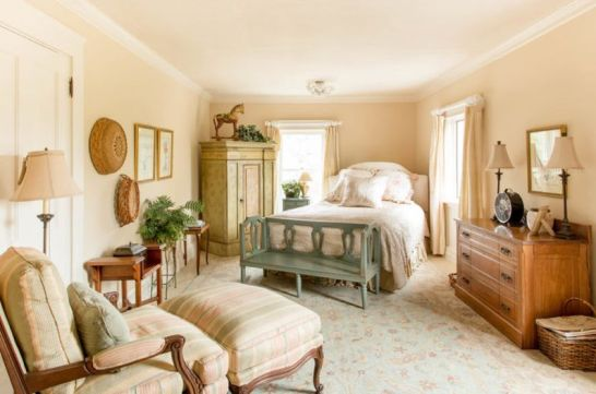 Neutral-shades-vintage-furniture-and-printed-textiles-1