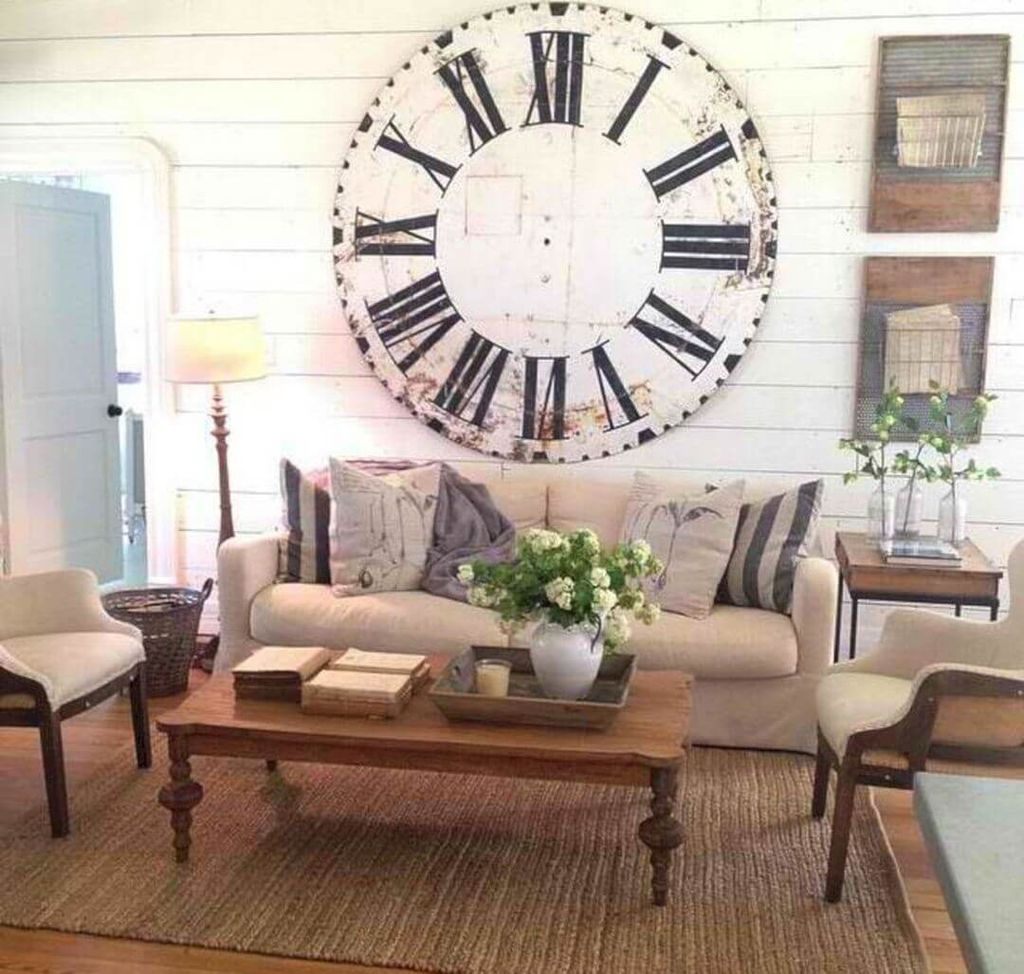 Oversized clock to perfect your small farmhouse living room