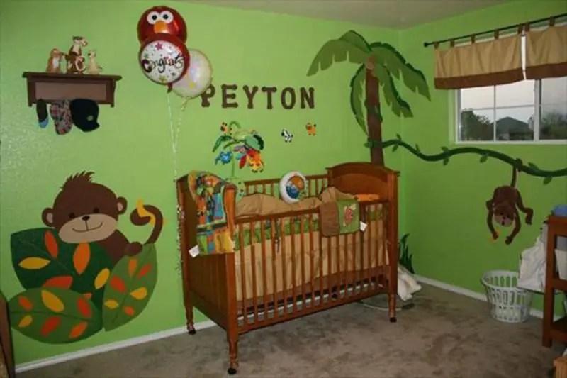The-light-green-theme-animal-mural-for-your-kids-room.