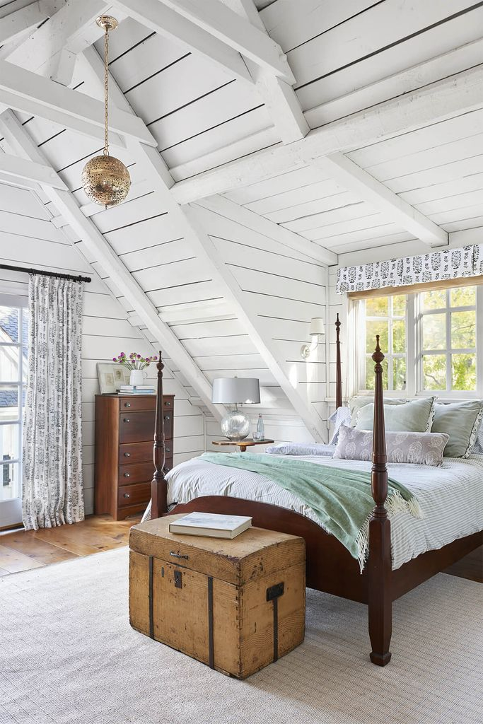 Wooden ceilings in white for bedroom