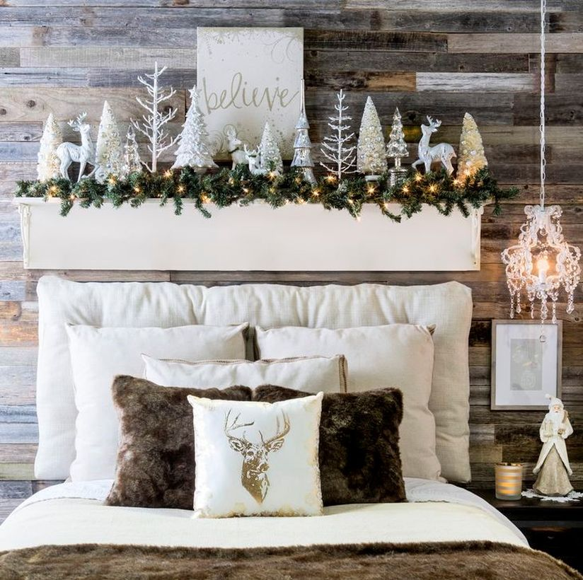 32 Ways to Bring Christmas into Your Bedroom