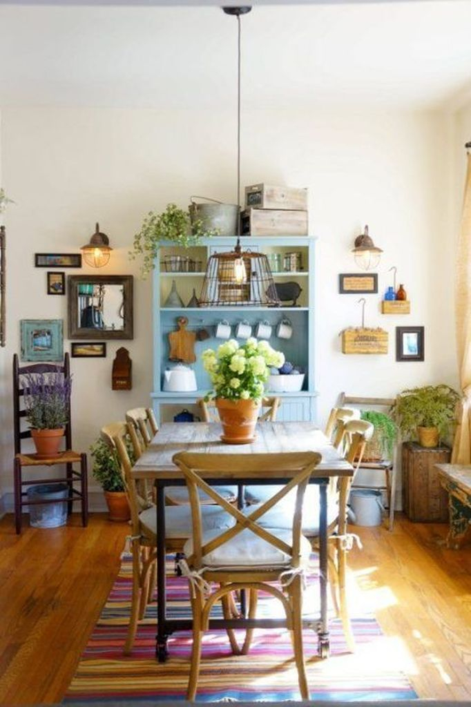 Farmhouse dining room with plants decoration