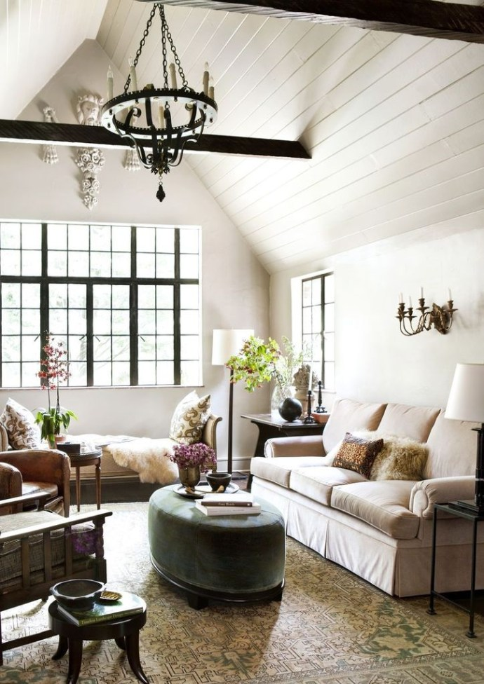 Farmhouse white living room design