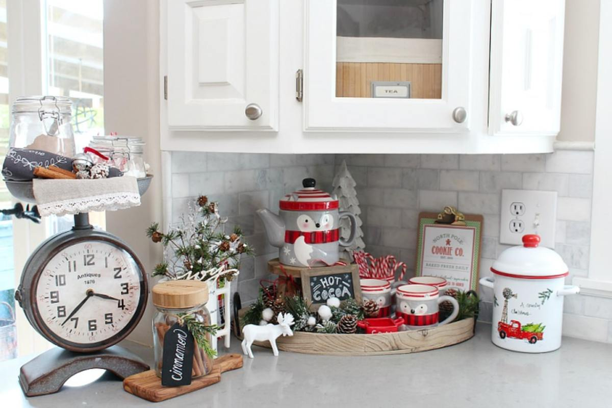 Kitchen-christmas-decorations-5-768x512