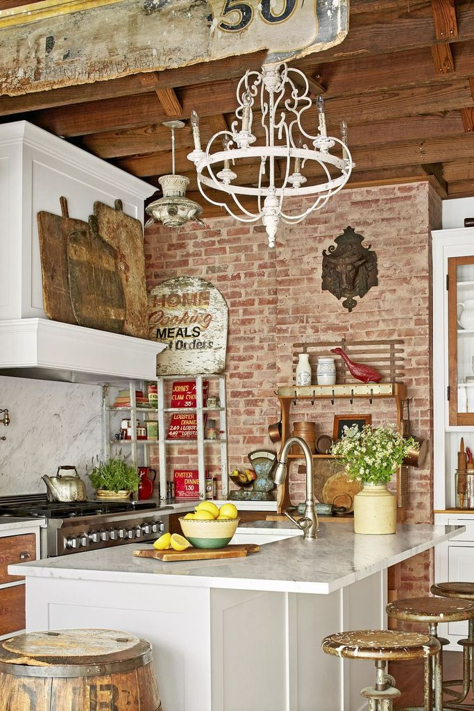 Red brick walls for rustic kitchen