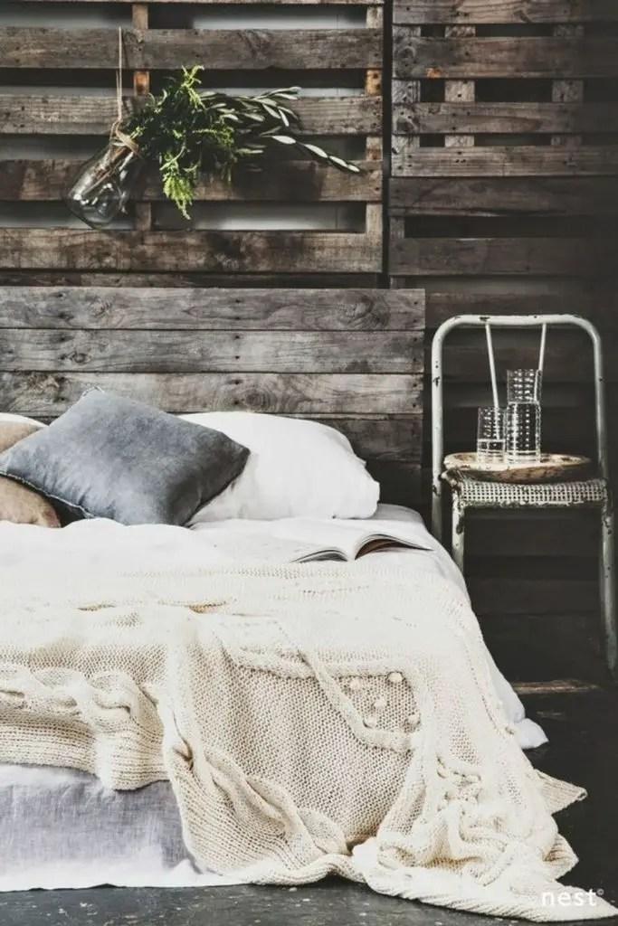 Wooden pallet bedroom for winter