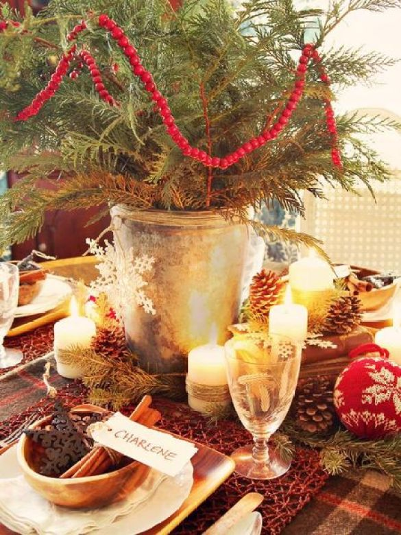 Centerpiece-starts-evergreen-branches-you-can-clip-from-your-yard.
