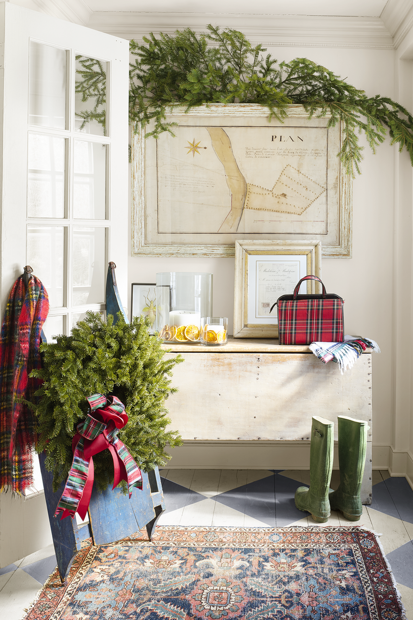 Christmas-in-connecticut-entryway-2-1217
