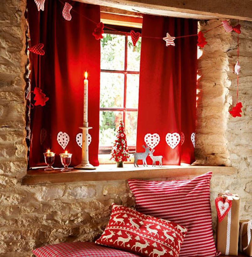 Christmas window with red and white small ornament
