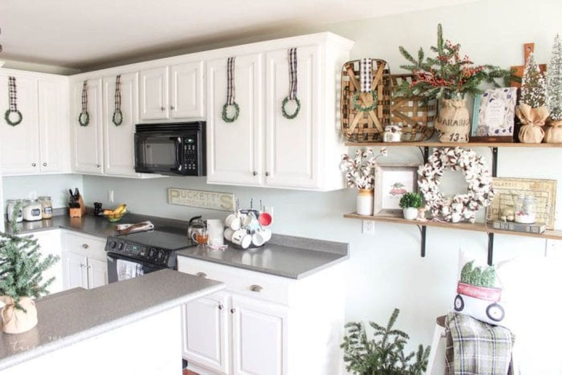Diy-kitchen-christmas-wreaths-10-e1511800387937-1