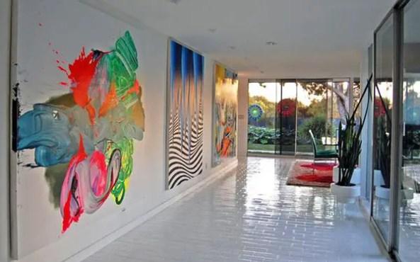 Entryway-splash-of-color