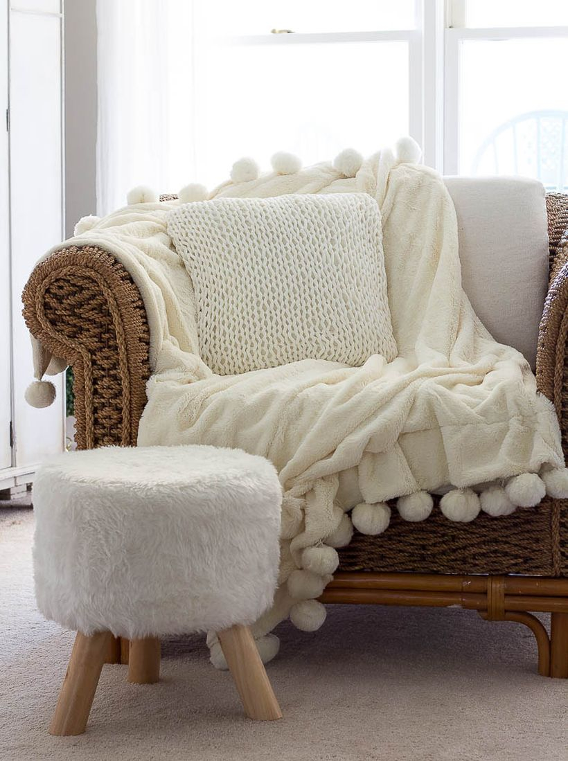How-to-knit-a-chunky-pillow-for-beginners4-9866