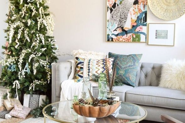 Simple-global-bohemian-christmas-tree-inspiration