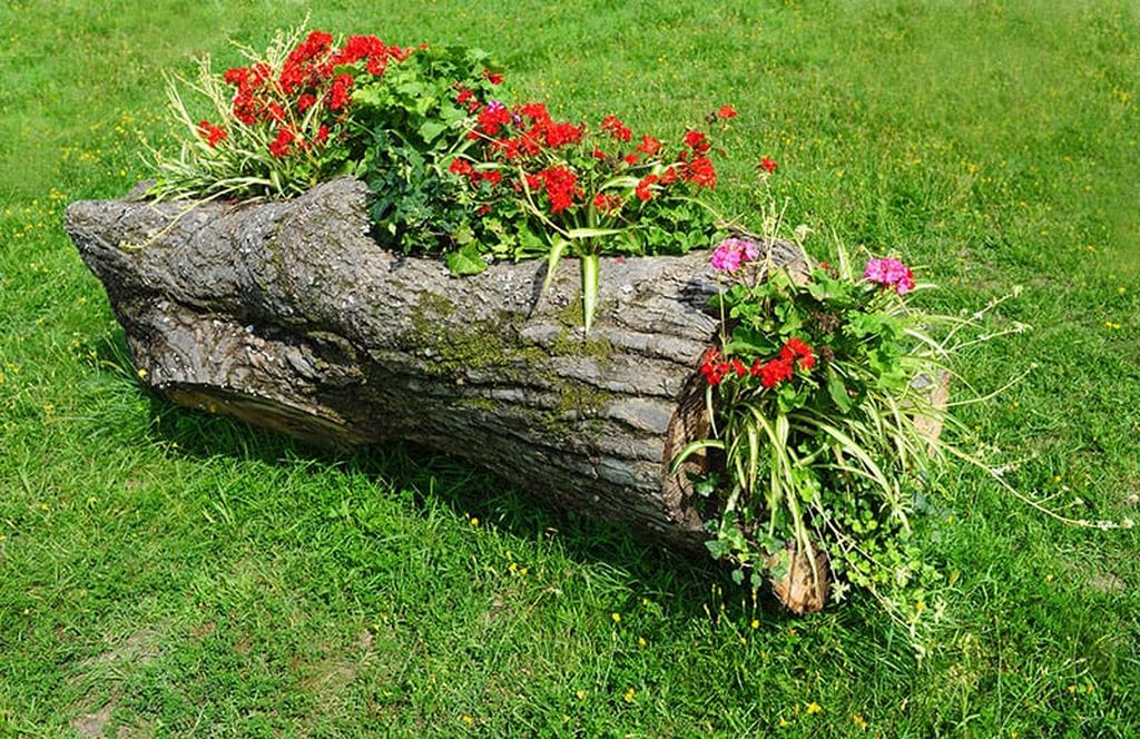 Wood-flower-bed