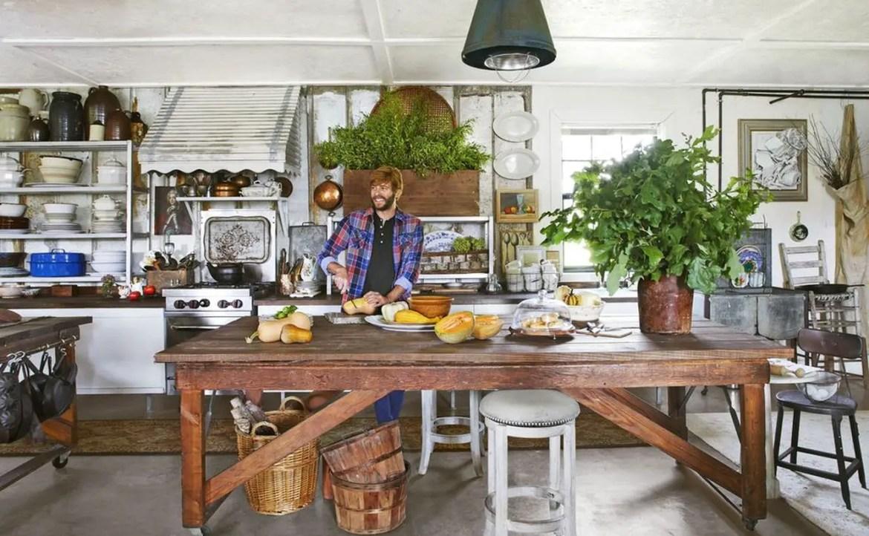 2farmhouse-kitchen-trace-1558449254