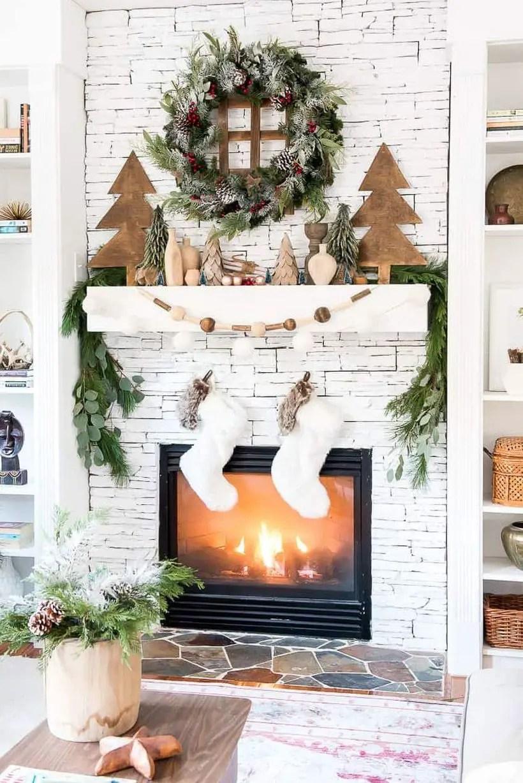 4christmas-mantel-decorations-rustic-woodland-1542125758