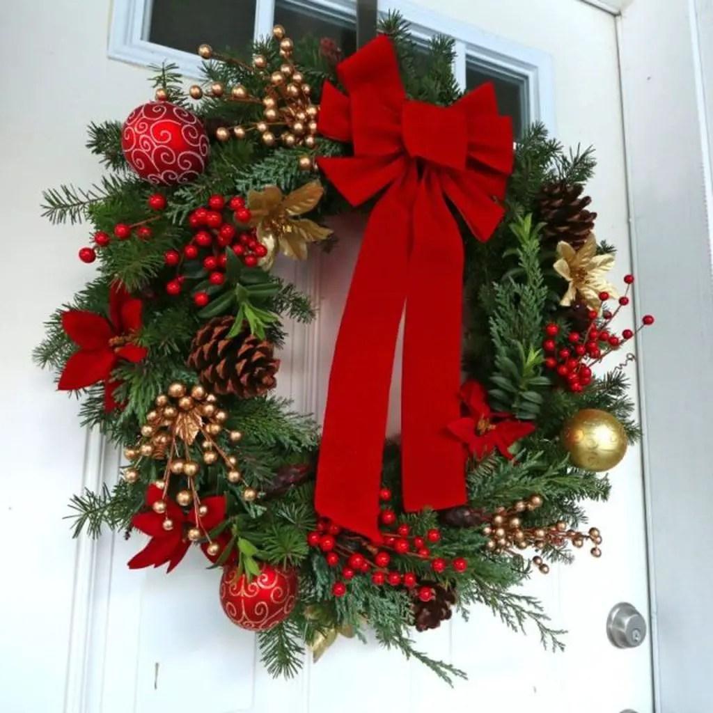 Christmas-wreath-and-advent-wreath