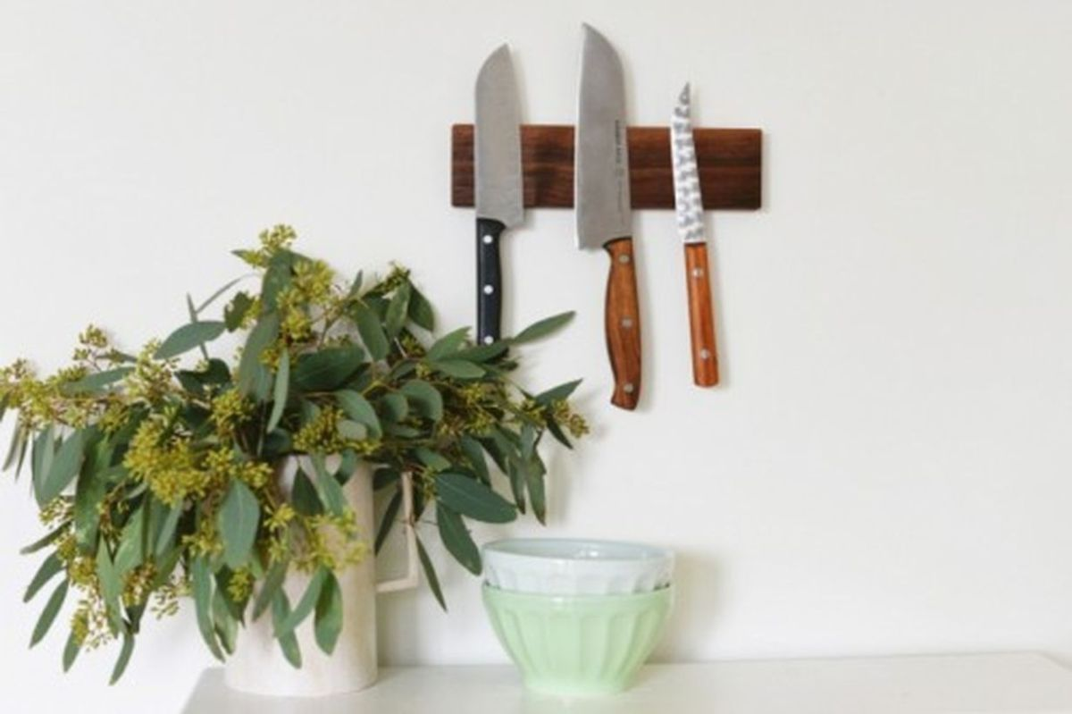 Diy-knife-racks-and-holder-to-make-your-kitchen-comfier2-500x333