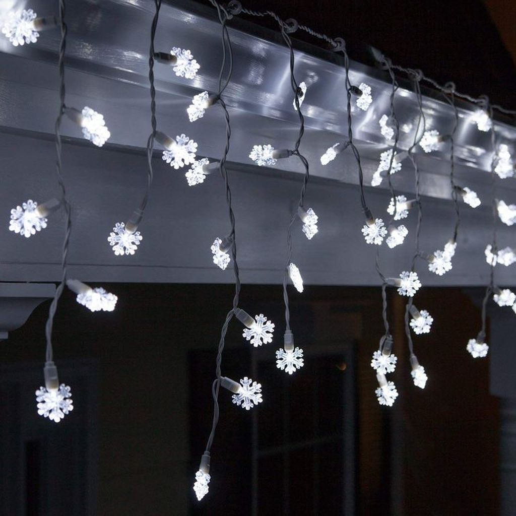 20 Enchanting Christmas Lights to Lighten Up Your Space
