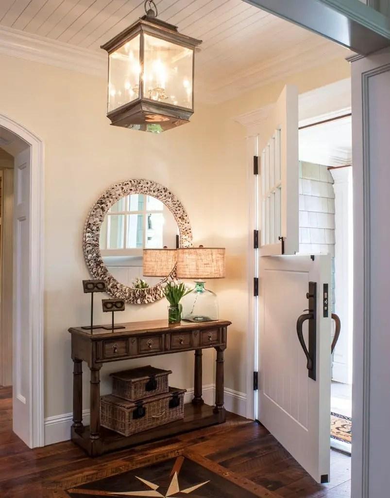 Rustic-entryway-decorating-idea