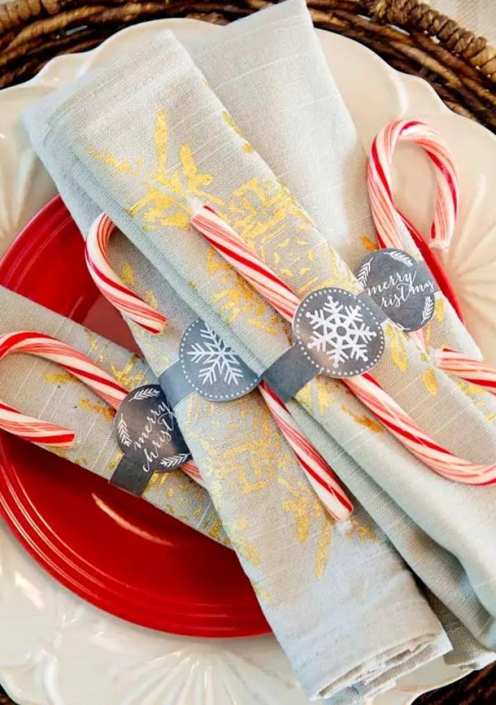 Christmas-napkin-folding-ideas-11