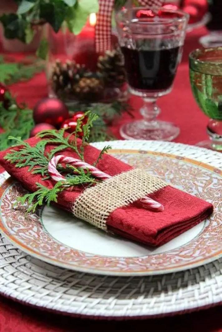 Christmas-napkin-folding-ideas-18