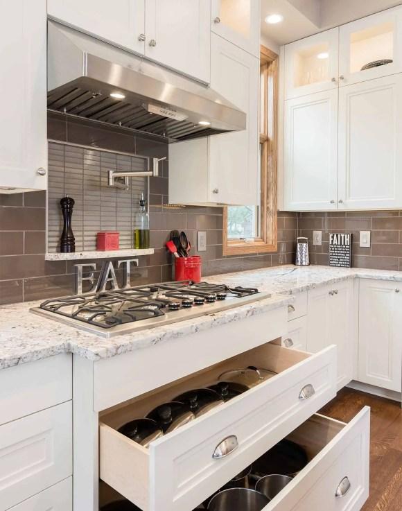 2-clive-transitional-kitchen-remodel-9497-range-drawers