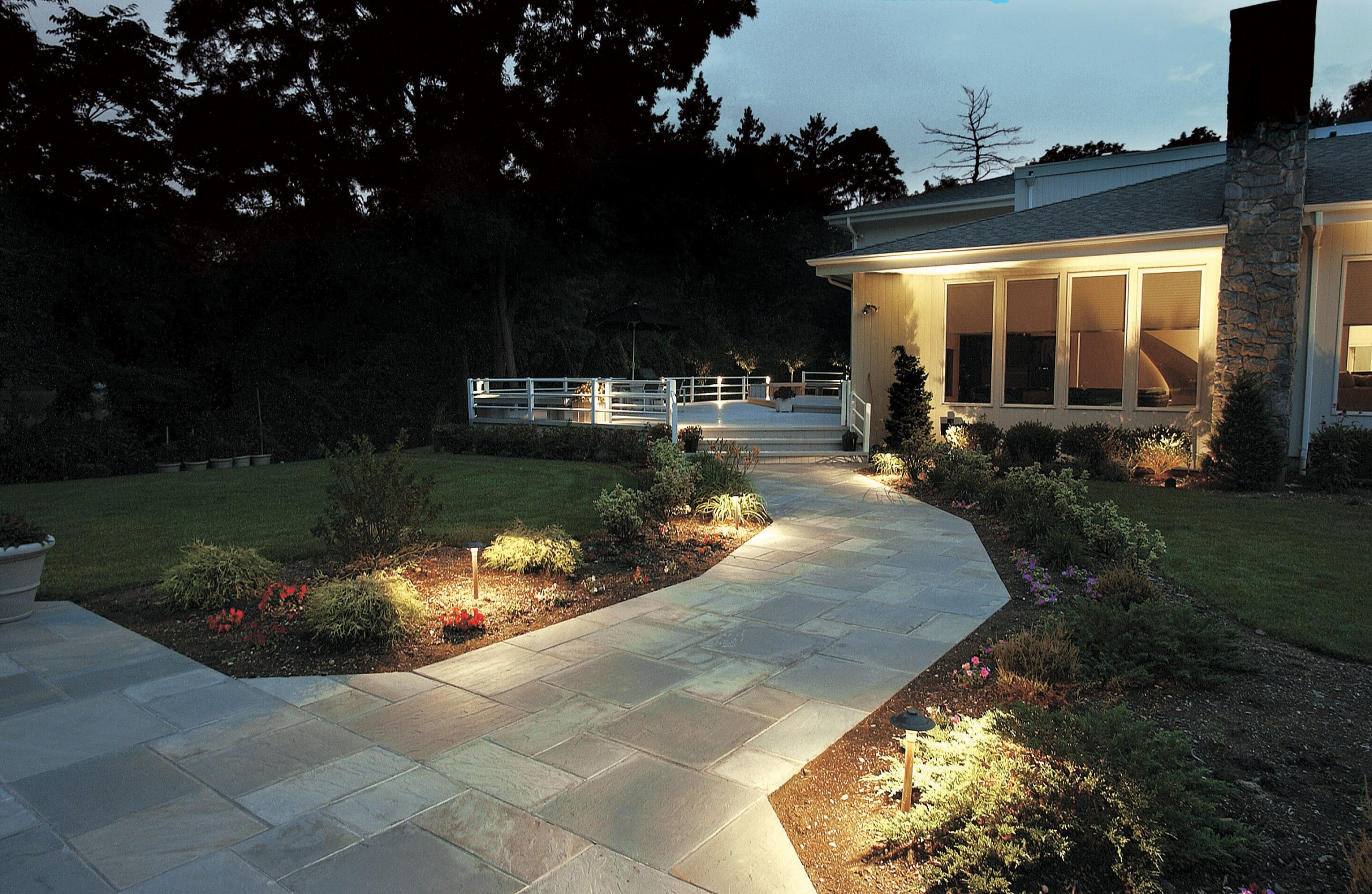 2-eastchester-landscape-lighting