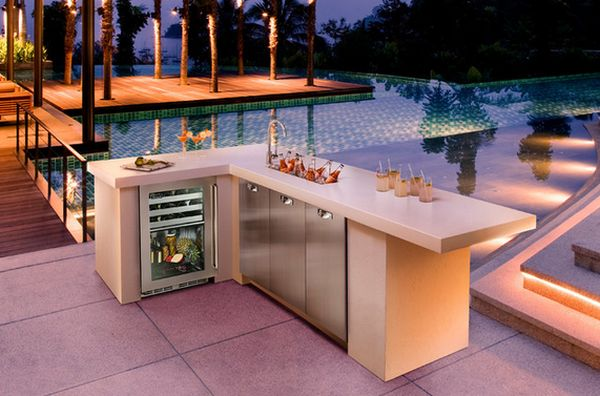 2-outdoor-kitchen-cool-refrigerator-undercountertop