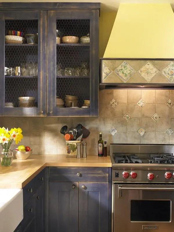Famhouse-kitchen-wire-doors