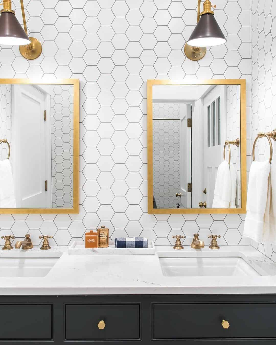 Brass accent Charismatic Bathroom Design Ideas To Hypnotize Everyone In Your Home