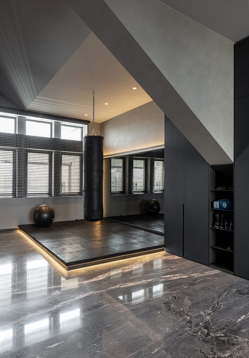 Fabulous bachelor apartment with a home gym that so masculine 4