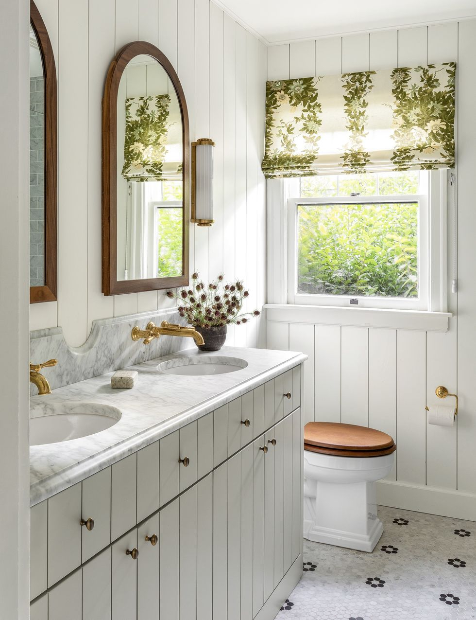 Light plant privacy Vitalizing Half Bathroom Ideas That Refreshing Your Half Space In A Right Way