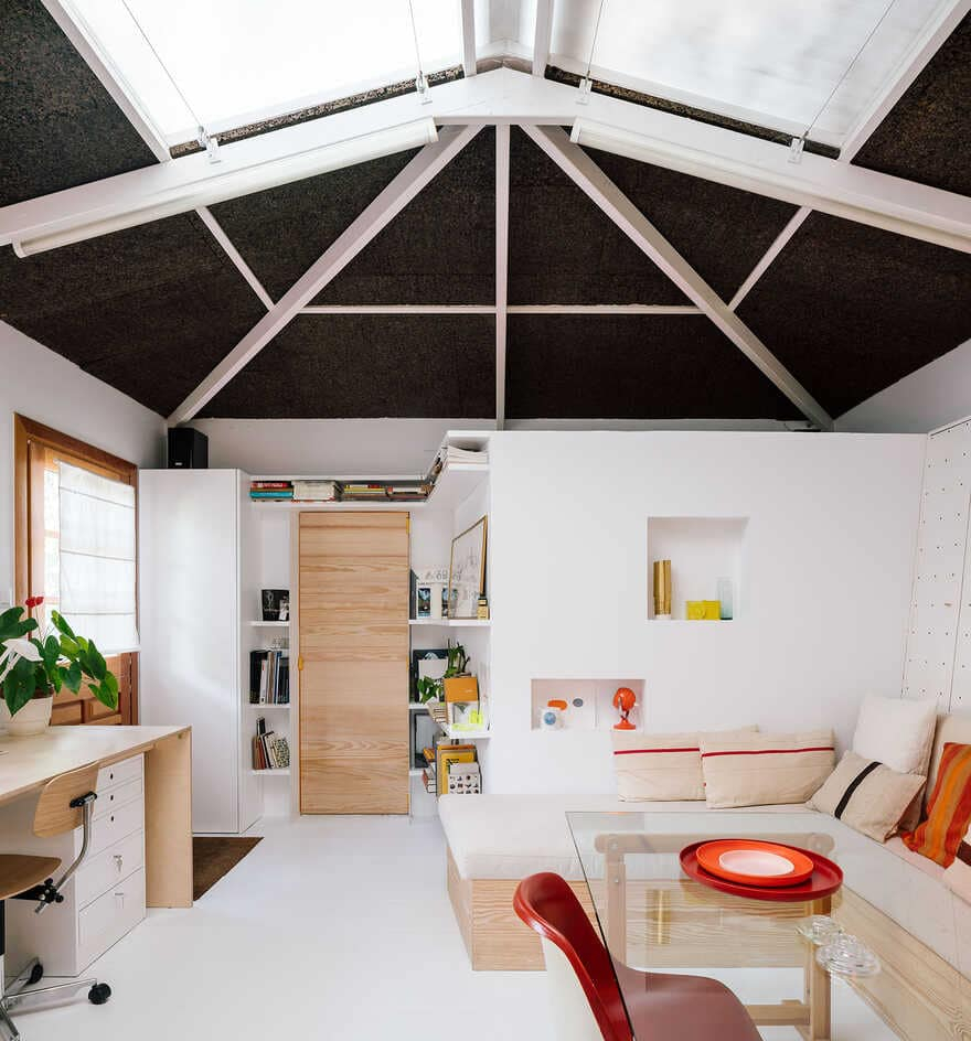 This simple house has an awesome interior that everyone will love 2