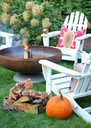 Awesome-fall-fire-pit-decor-ideas-you-have-to-try-05