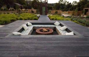 Inspiring-backyard-fire-pit-ideas-19-1-kindesign-1