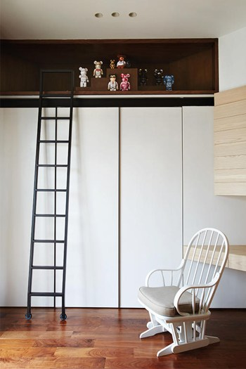 15-ways-to-design-a-space-saving-wardrobe-for-your-singapore-home_4