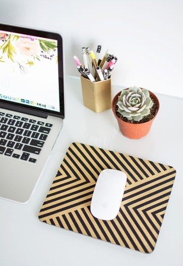 Mouse-pad-and-mouse-at-desk