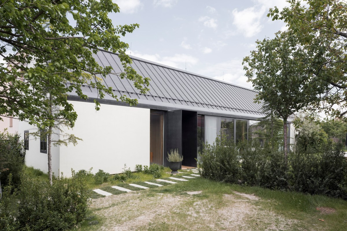 House-v-slovakia-architecture-interiors-martin-skocek_dezeen_2364_col_8