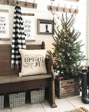 1-01-rustic-farmhouse-christmas-decor-ideas-homebnc-1