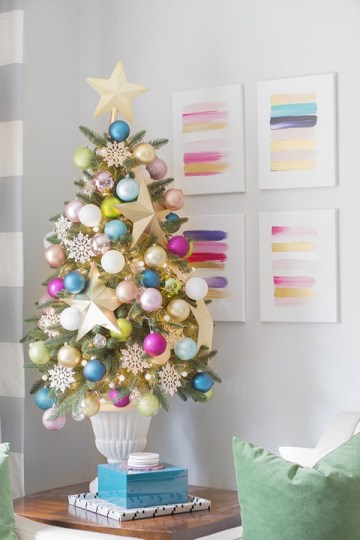 1 rainbow-christmas-tree-decoration-ideas-21