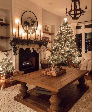 1 rustic-farmhouse-christmas-decorating-ideas-03-1-kindesign