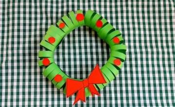 1 easy-paper-christmas-wreath